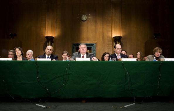 Joshua Roberts「Senate Holds Hearing On U.S. Credit Market Crisis」:写真・画像(7)[壁紙.com]