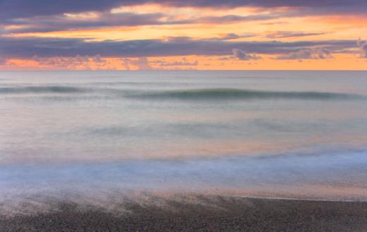 Westland - South Island New Zealand「Waves breaking on beach, dusk」:スマホ壁紙(7)