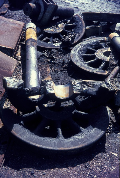 Branch - Plant Part「Cutting up Stanier Black 5 Class 4-6-0s in 1968 at Cohen's scrapyard located near Kettering on the former ironstone branch to Loddington.」:写真・画像(10)[壁紙.com]