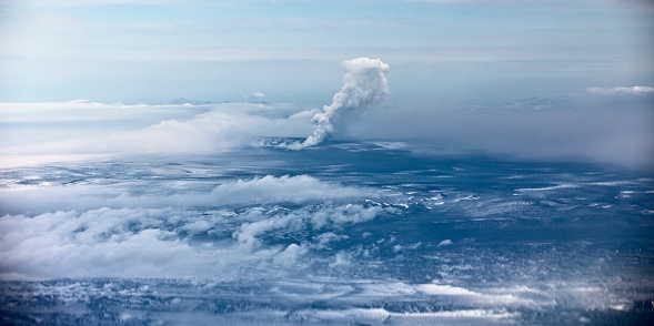 Active Volcano「Grimsvotn Volcanic Eruption in the Vatnajokull Glacier, Iceland」:スマホ壁紙(9)