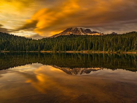 Volcano「reflection lake of MT.Rainier」:スマホ壁紙(12)