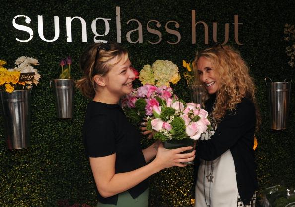 Annabelle Dexter Jones「Sunglass Hut Celebrates Mother's Day With Georgia May Jagger & Jerry Hall」:写真・画像(16)[壁紙.com]