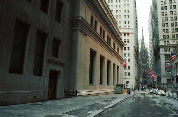 Chris Hondros「New York Stock Exchanged Remains Closed」:写真・画像(18)[壁紙.com]