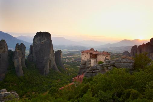 UNESCO「Greece, Thessaly, Meteora, Roussanou Monastery」:スマホ壁紙(4)