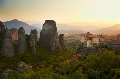UNESCO「Greece, Thessaly, Meteora, Roussanou Monastery」:スマホ壁紙(8)
