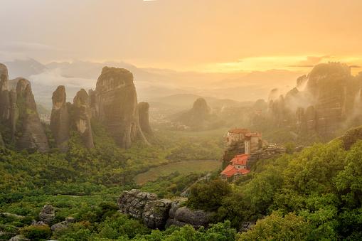 Roussanou Monastery「Greece, Thessaly, Meteora」:スマホ壁紙(15)
