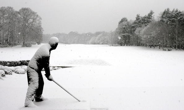 雪の結晶「Heavy snow falls across UK」:写真・画像(9)[壁紙.com]
