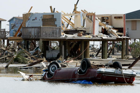 Hurricane Ike「Coastal Texas Faces Heavy Damage After Hurricane Ike」:写真・画像(6)[壁紙.com]
