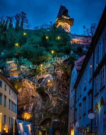 Graz「Austria, Styria, Graz, Grazer Schlossberg, castle mountain with staircase, clock tower at night」:スマホ壁紙(5)