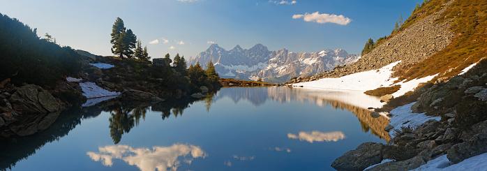 Dachstein Mountains「Austria, Styria, Liezen District, Tauern, View to Dachstein, Lake Spiegelsee」:スマホ壁紙(3)