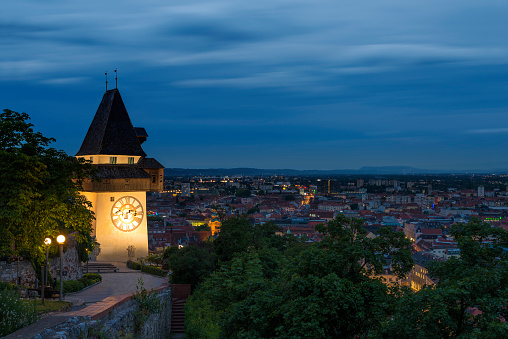 Graz「Austria, Styria, Graz, Clock tower with panoramic view in the evening」:スマホ壁紙(8)
