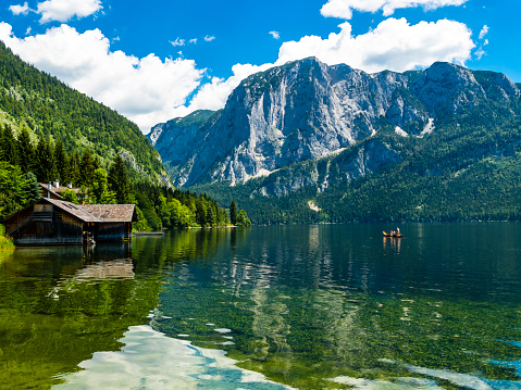 Salzkammergut「Austria, Styria, Altaussee, boathouse at Altausseer See with Trisselwand at in the background」:スマホ壁紙(18)