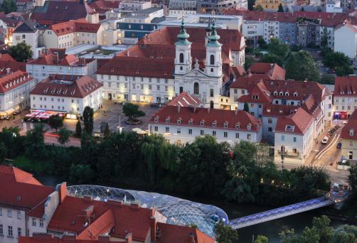 Graz「Austria, Styria, Graz, View of monastery and Parish Church」:スマホ壁紙(18)