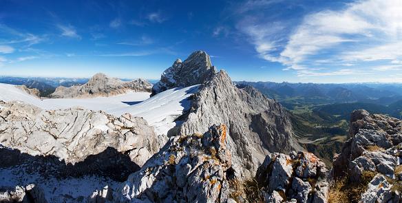 Dachstein Mountains「Austria, Styria, Salzkammergut, Dachstein massif, View to Dirndl, Gjaidstein, Hallstaetter Glacier」:スマホ壁紙(14)