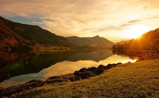 Salzkammergut「Austria, Styria, Lake Grundlsee at sunset」:スマホ壁紙(12)
