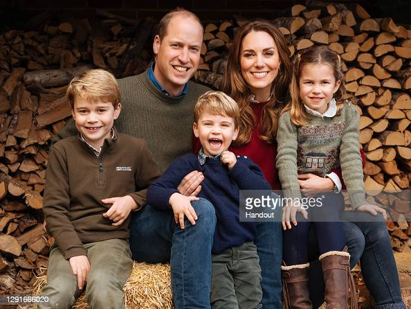 Catherine Duchess of Cambridge「Duke and Duchess of Cambridge - Royal Christmas cards 2020」:写真・画像(9)[壁紙.com]