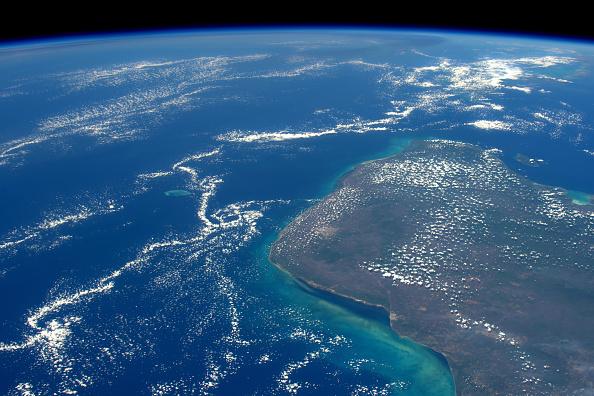 Land「Expedition 46 On International Space Station」:写真・画像(1)[壁紙.com]