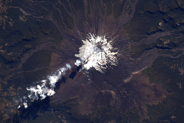 Snowcapped Mountain「Expedition 46 On International Space Station」:写真・画像(7)[壁紙.com]