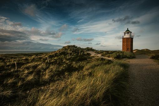 牛「ズィルト島の灯台と海岸風景」:スマホ壁紙(6)