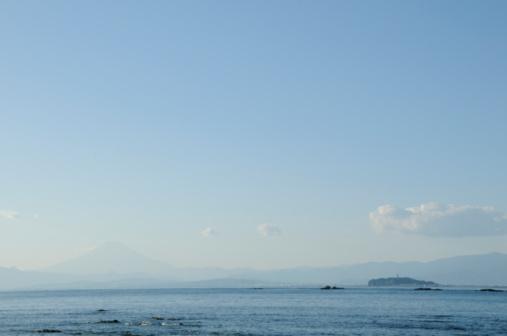 かまくら「Mt Fuji and Enoshima Island viewed from  Kamakura. Enoshima, Kamakura, Kanagawa Prefecture, Japan」:スマホ壁紙(7)