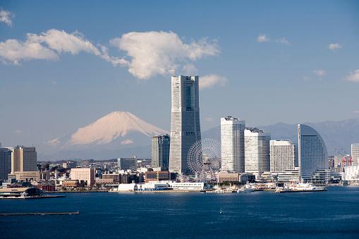 Yokohama「Mt. Fuji and Minato Mirai. Yokohama, Kanagawa Prefecture, Japan」:スマホ壁紙(17)