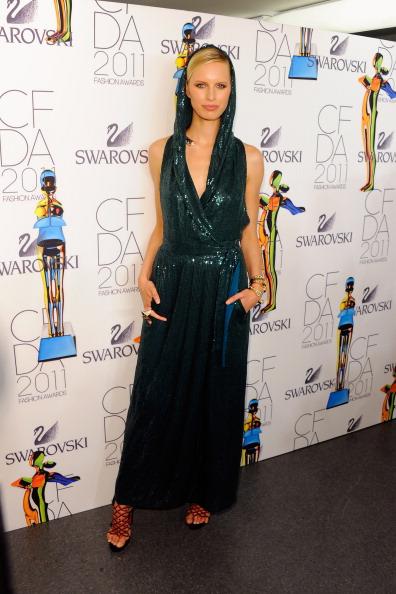 Sandal「2011 CFDA Fashion Awards - Winner's Walk」:写真・画像(18)[壁紙.com]