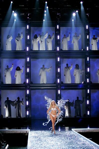 Mark Mainz「The Victoria's Secret Fashion Show - Show」:写真・画像(15)[壁紙.com]