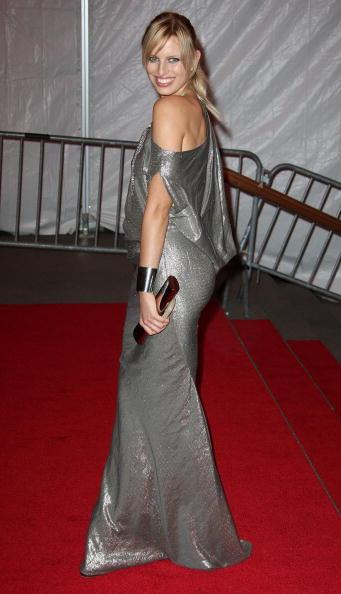 Shoulder「The Metropolitan Museum Of Art Costume Institute's Gala - Departures」:写真・画像(10)[壁紙.com]