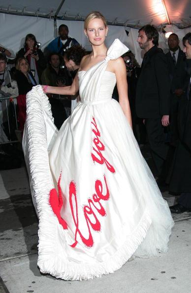 Printmaking Technique「MET Costume Institute Gala Celebrating Chanel」:写真・画像(5)[壁紙.com]