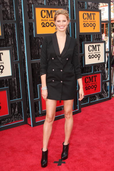 Azzaro - Designer Label「2009 CMT Music Awards - Arrivals」:写真・画像(16)[壁紙.com]