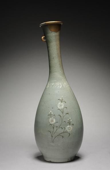Chrysanthemum「Bottle With Chrysanthemum Design」:写真・画像(15)[壁紙.com]