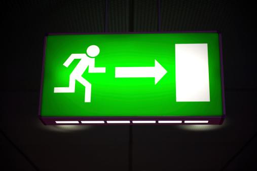 Wooden Post「Emergency exit light sign」:スマホ壁紙(1)