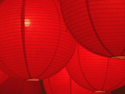 Festival of Japan「Hanging red paper lanterns glowing」:スマホ壁紙(6)