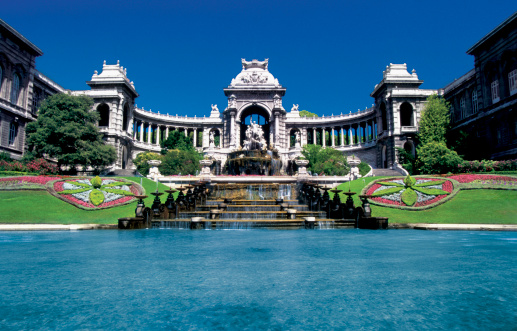 Fountain「Fountains in front of Longchamps Palace in Marseille, France」:スマホ壁紙(6)