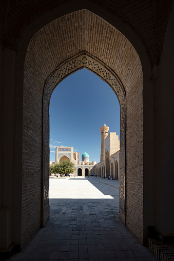 UNESCO「Kalyan Mosque overlooking Kalyan minaret in Bukhara, Uzbekistan」:スマホ壁紙(9)