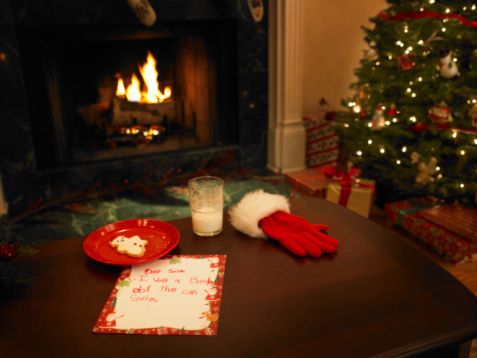 Christmas card「Milk, cookies and letter on table, Christmas decorations in background」:スマホ壁紙(0)