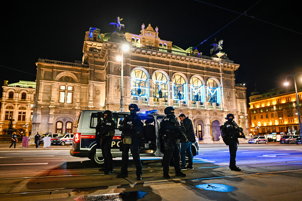 Austria「Shots Fired Near Synagogue In Vienna」:写真・画像(1)[壁紙.com]