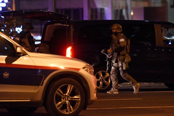 Thomas Kronsteiner「Shots Fired Near Synagogue In Vienna」:写真・画像(3)[壁紙.com]