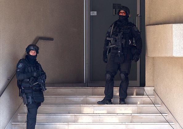 Threats「Alleged Hostage & Bomb Threat Situation Unfolds In Sydney Suburb」:写真・画像(14)[壁紙.com]