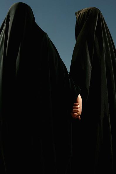 Burka「Iraqi Women Seek Rights Despite Ongoing Violence」:写真・画像(17)[壁紙.com]