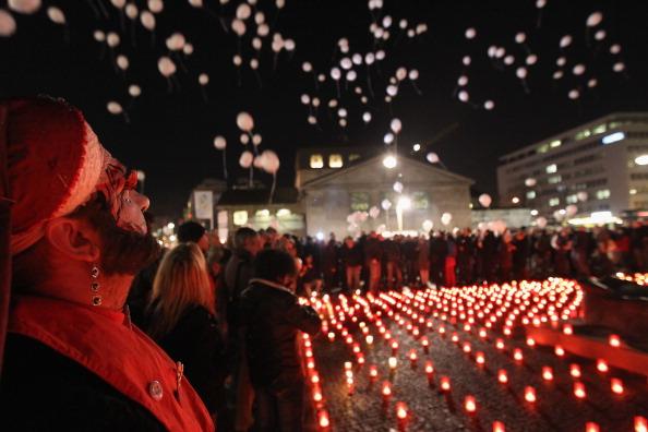 Decisions「Berlin Marks World AIDS Day」:写真・画像(12)[壁紙.com]