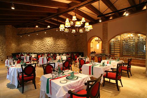 イタリア「高級レストラン」:スマホ壁紙(0)