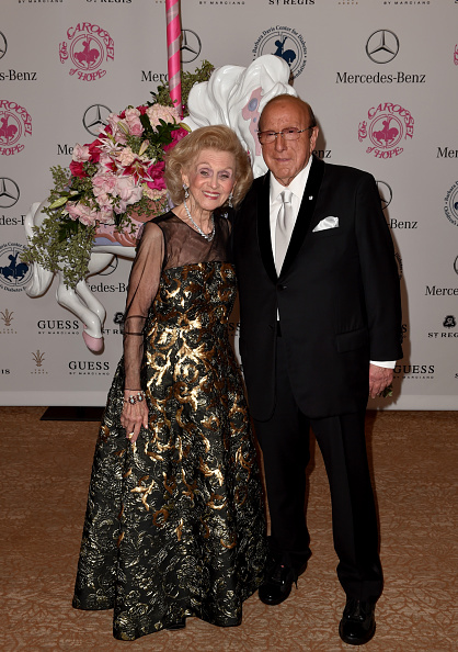 Sponsor「2014 Carousel of Hope Ball Presented by Mercedes-Benz - VIP Reception」:写真・画像(1)[壁紙.com]