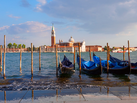 Gondola「Gondolas and Bacino San Marco, Venice, Italy」:スマホ壁紙(5)