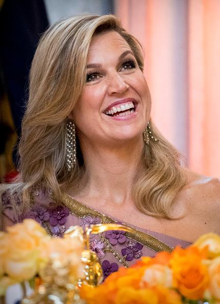 紫「Festive Dinner And Public will opening Of Royal Palace To  Mark King Willem-Alexander's 50th Birthday In Amsterdam」:写真・画像(12)[壁紙.com]