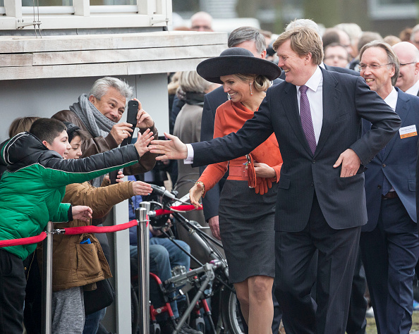 Netherlands「Queen Maxima of The Netherlands and King Willem-Alexander of The Netherlands Visit The North East Of Holland」:写真・画像(18)[壁紙.com]