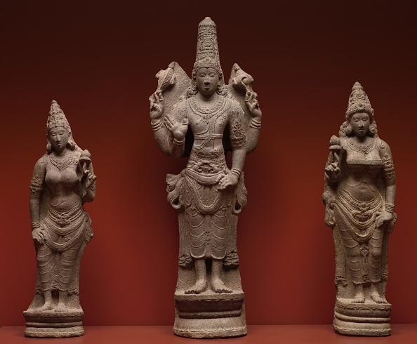 Sculpture「Vishnu With Shri」:写真・画像(2)[壁紙.com]