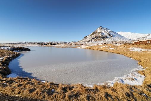 Arnarstapi「Iceland, Small frozen lake in Arnarstapi」:スマホ壁紙(14)