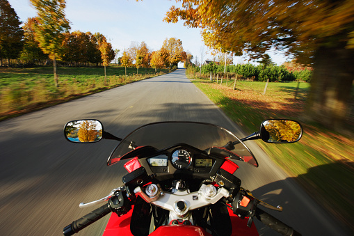 Motorcycle「View On Motorcycle In Action, Eastern Townships, Quebec, Canada」:スマホ壁紙(6)