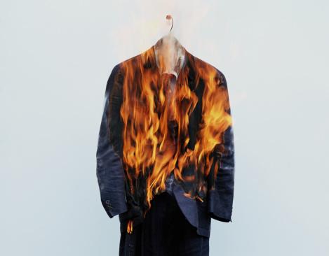 Full Suit「Suit on hanger burning」:スマホ壁紙(12)
